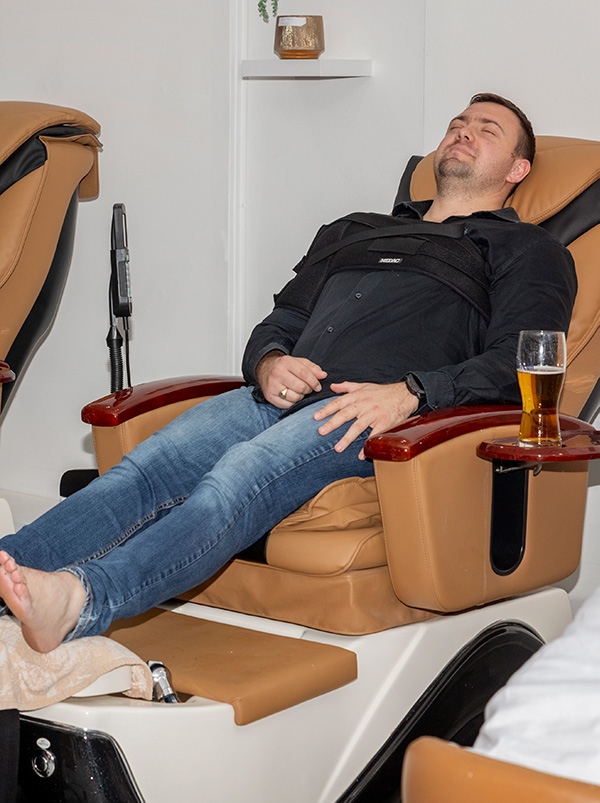 male pedi with beer